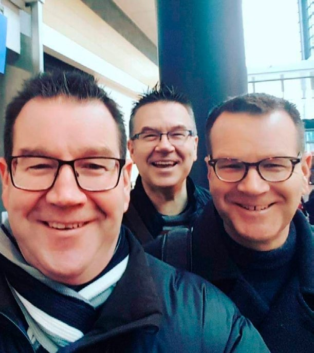 Grant Robertson with brothers Stephen (centre) and Craig.