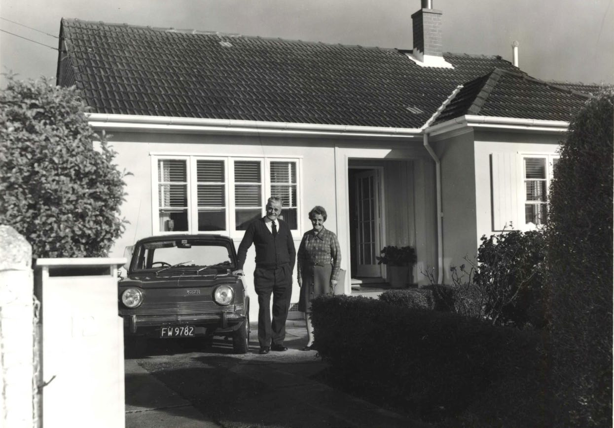 David and Mary McGregor standing outside 12 Fife Lane in 1978. Photo: Archives New Zealand/Te Whare Tohu Tuhituhinga O Aotearoa.